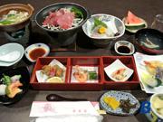 鹿島荘・夕食一例